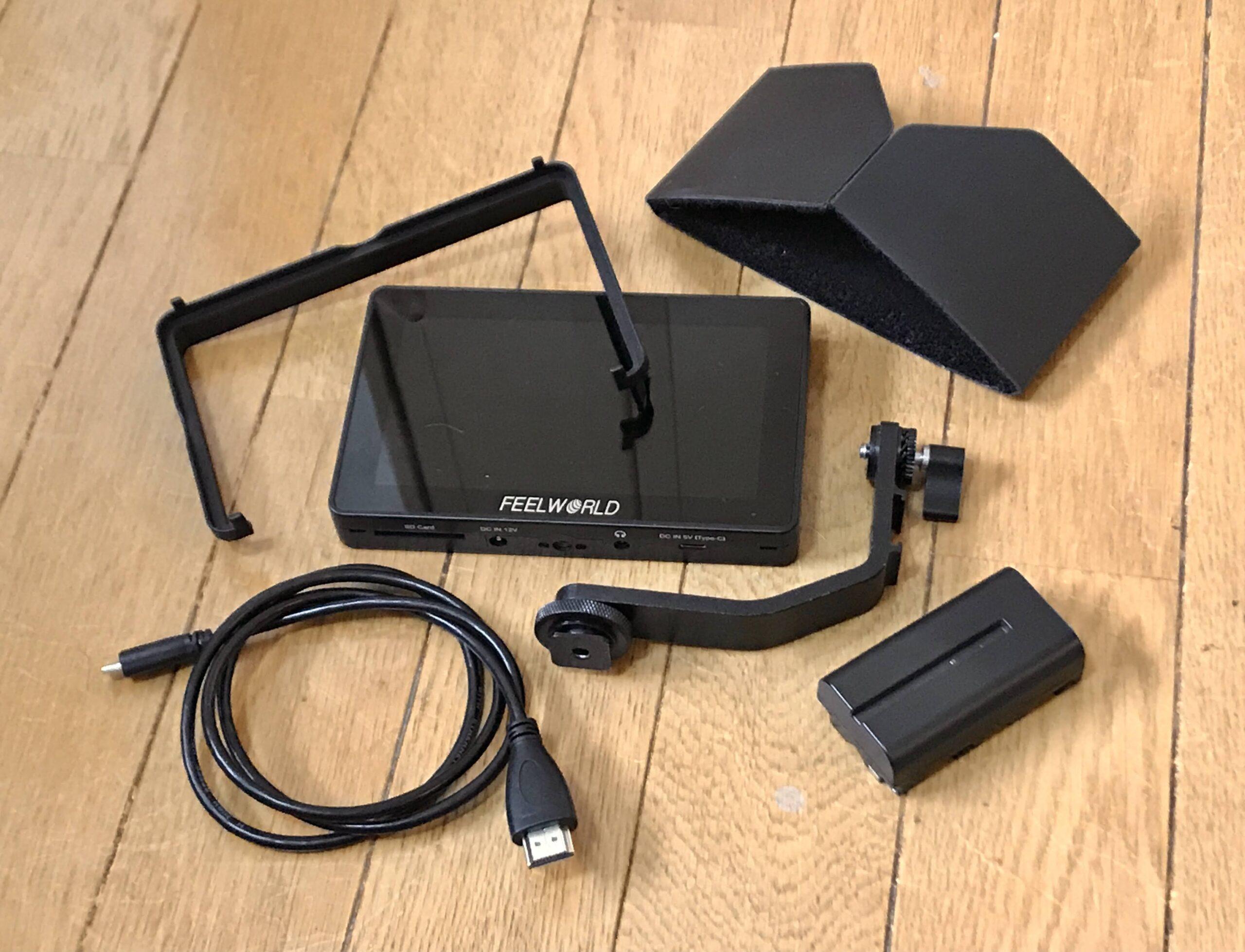 モニター、マイクロHDMIケーブル、ティルトアーム、サンシェードとアタッチメント(バッテリ別売)